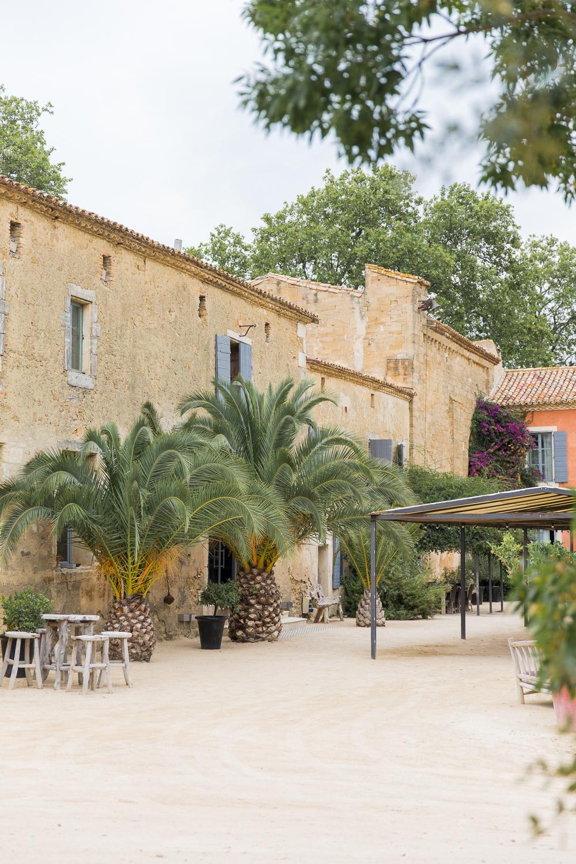 FannyTiaraPhotographie-Mariage-Provence-DomaineSainteColombe-LambertCreation-ParisianInspired-11.jpg