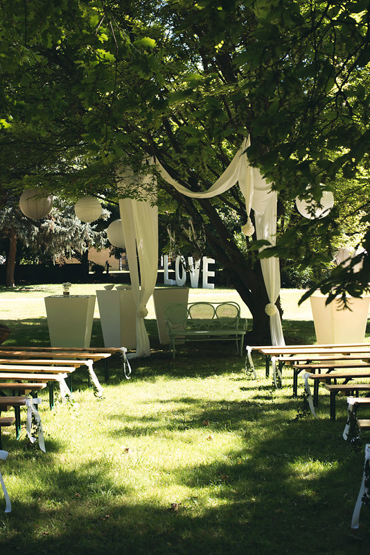 parisian-inspired-blog-mariage-artyphotos-photographe-mariage-auvergne-chateaudesaulnat-6.jpg
