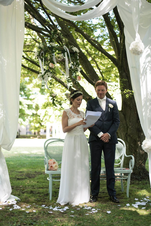 parisian-inspired-blog-mariage-artyphotos-photographe-mariage-auvergne-chateaudesaulnat-14K.jpg