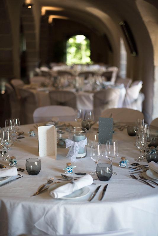 parisian-inspired-blog-mariage-artyphotos-photographe-mariage-auvergne-chateaudesaulnat-3.jpg