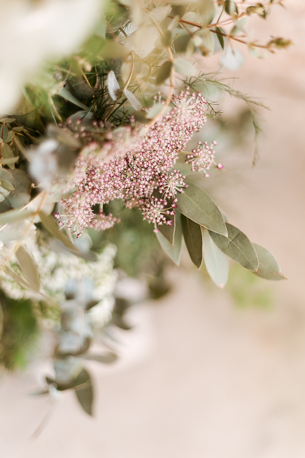 parisian-inspired-blog-mariage-shooting-inspiration-vegetal-abbaye-trois-fontaines-marne-cg-photographie-11.jpg