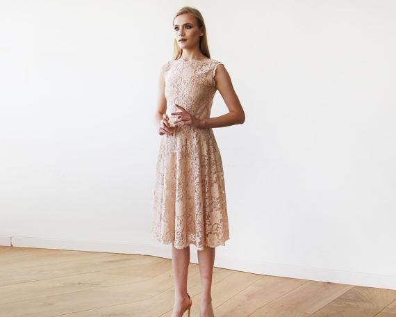robe dentelle blush 165,27 €