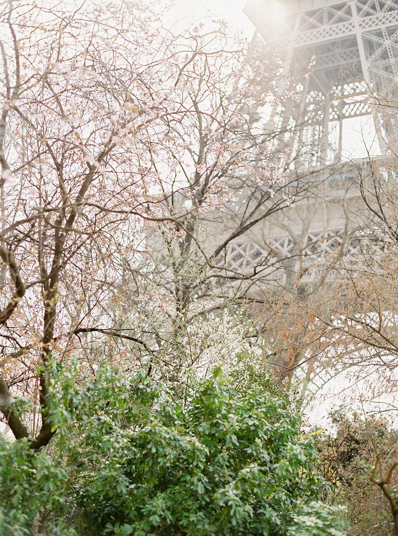 parisian-inspired-blog-mariage-MatthieuBondonPhotographemariageParis-Argentique-7.jpg