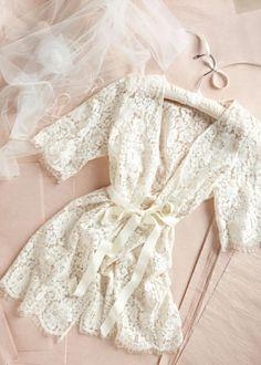parisian-inspired-blog-mariage-matin-preparatifs5bba119f5b2b4f1b7e662073ca07b70e.jpg