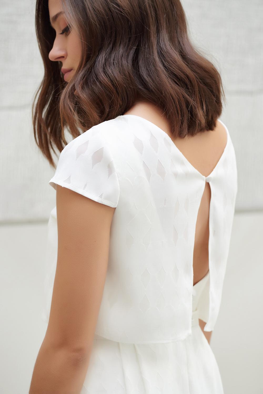 parisian-inspired-blog-mariagecamille-marguet-robe-mariée-paris-collection18-priam2-LD.jpg