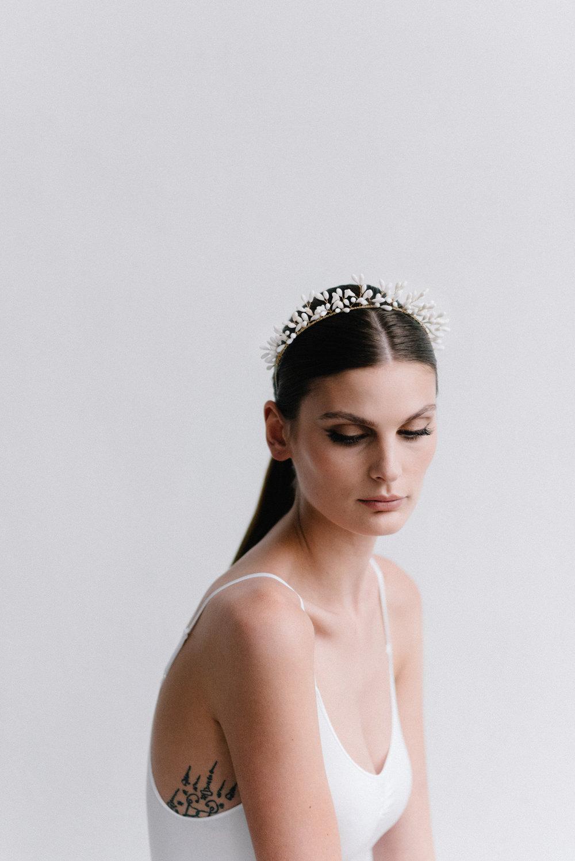 parisian-inspired-blog-mariagemaisonsabben-accessoires-mariee-bandeau-blossombuds-3.jpg