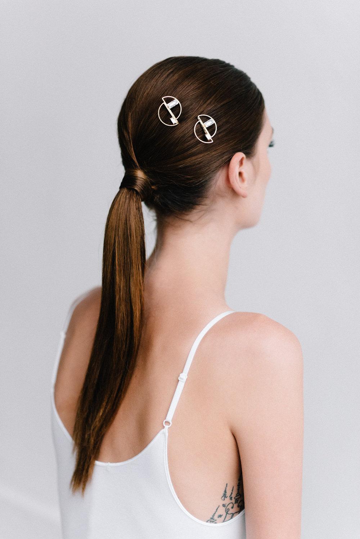 parisian-inspired-blog-mariagemaisonsabben-accessoires-mariee-barrette-reflet-1.jpg