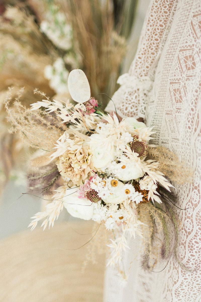 parisian-inspired-blog-mariageMariage-boheme-toitsparisiens-Gaetan-Jargot-94-Copie.jpg