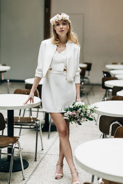 parisian-inspired-blog-mariagepierreatelier-photographe-paris-robe-mariage-camille-marguet-creatrice-Colin-Billy-Blanc2.jpg
