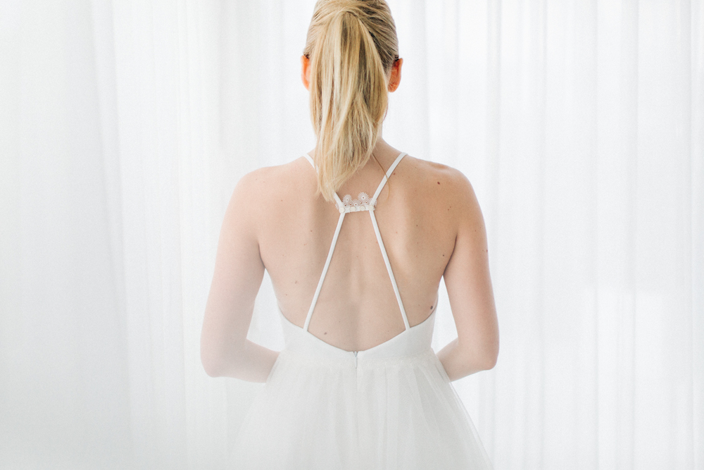 parisian-inspired-blog-mariagerobe-de-mariee-courte-atelier-swan-Camélia3.jpg