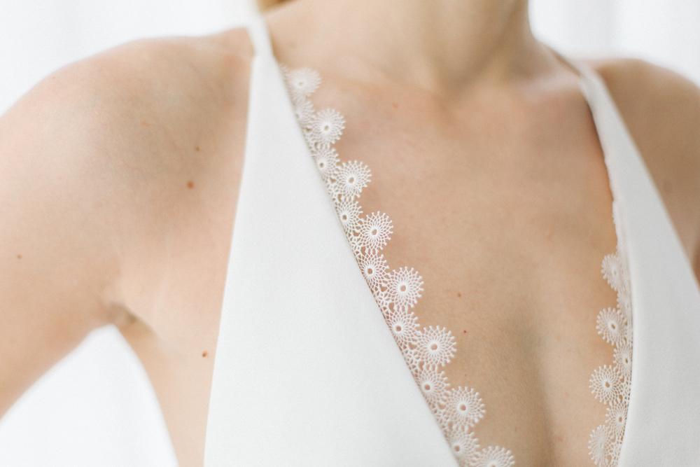 parisian-inspired-blog-mariagerobe-de-mariee-courte-atelier-swan-Camélia2.jpg