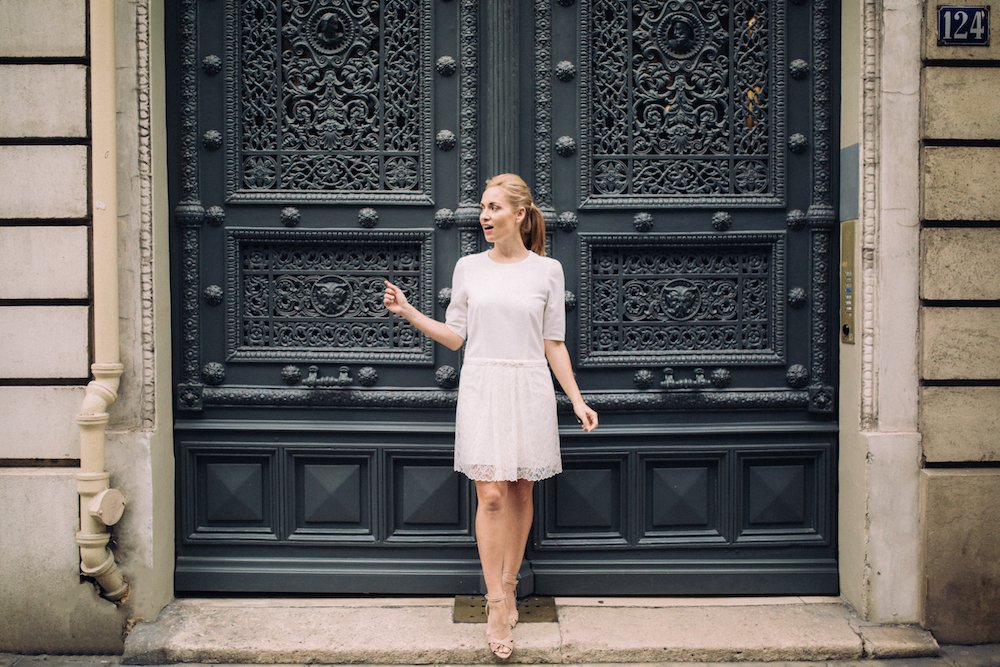 parisian-inspired-blog-mariagerobe-de-mariee-courte-atelier-swan-Carole.jpg