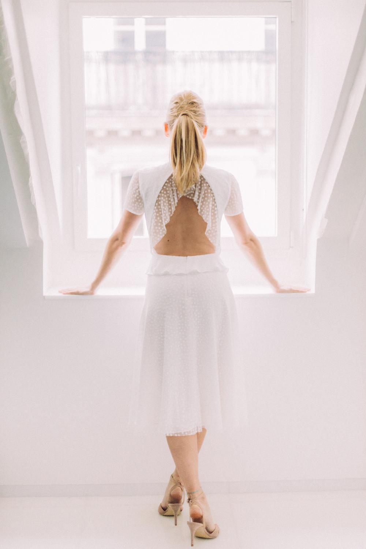 parisian-inspired-blog-mariagerobe-de-mariee-courte-atelier-swan-Coppélia.jpg