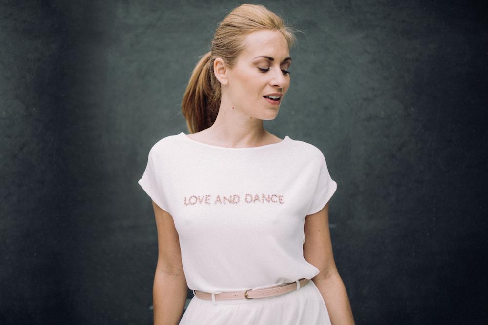 parisian-inspired-blog-mariagerobe-de-mariee-courte-atelier-swan-Jenny3.jpg