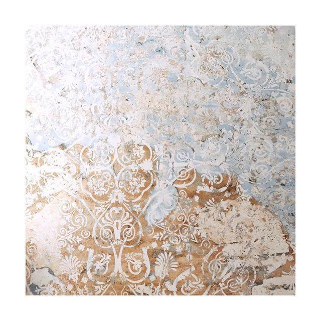 Textures textures... quand la déco est aussi jolie que l'assiette délicieuse 😍 #madeinspain #inspiration #carreaux #deco #mediterranée #love