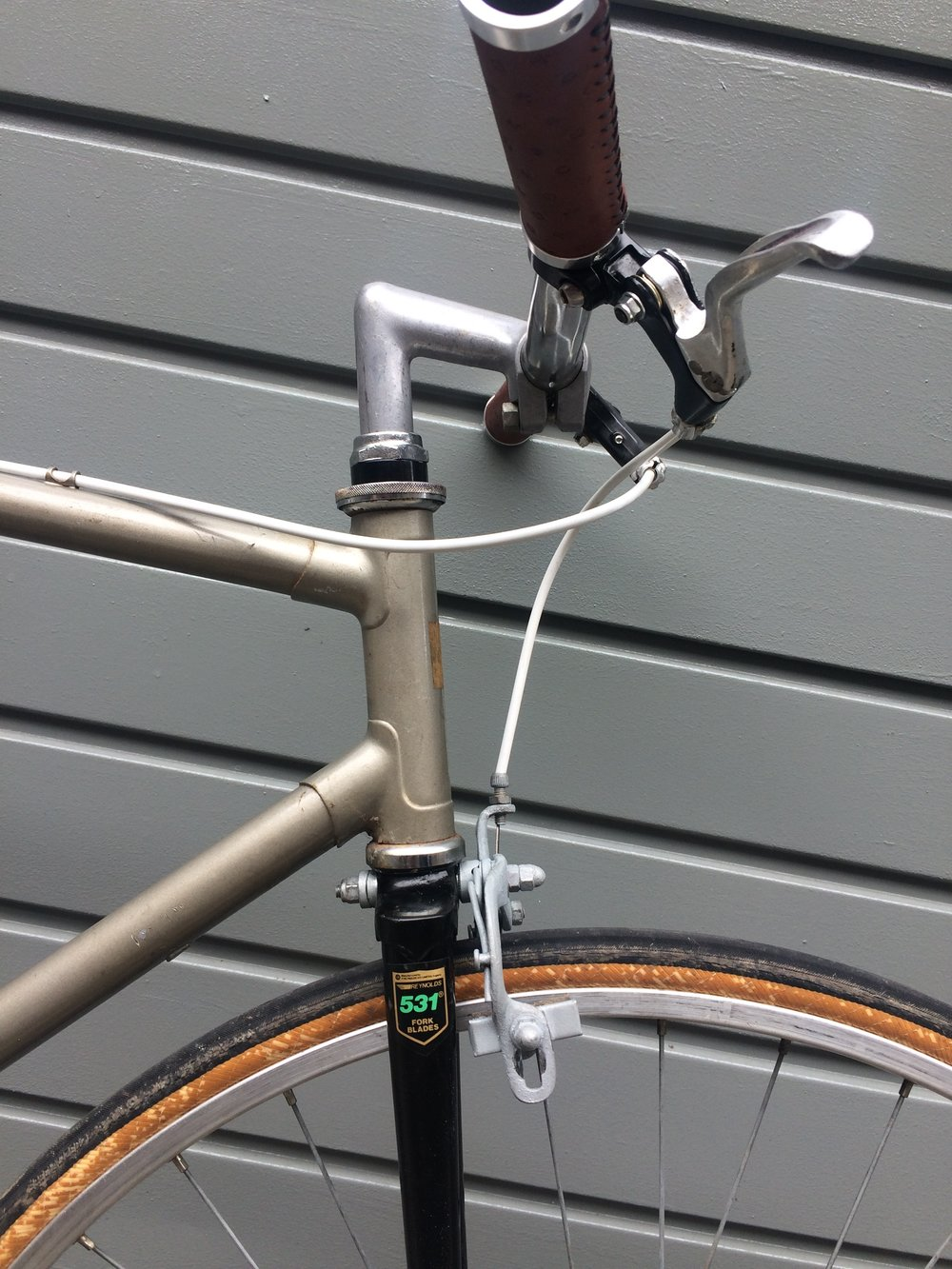 Only the handlebar grips, cables and chainring bolts are new