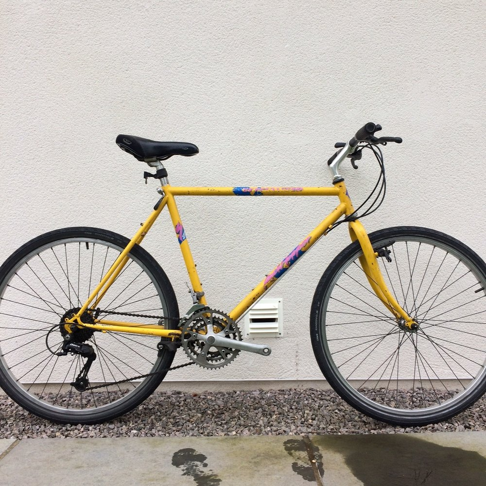 Jim's late 80s Specialized Rockhopper   A classic MTB with a bit of interesting history. Coming soon...