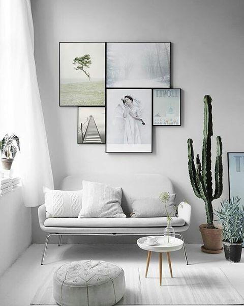 Tisdag, och vi har öppet som vanligt! Välkomna!🌱 #inspiration #inspo #konst #art #speglar #foton #prints #photos #gallerywall #picturewall #tavelvägg #frames #ramar #tavlor #ramverkstad #Ramhörnan  Bild från Pinterest