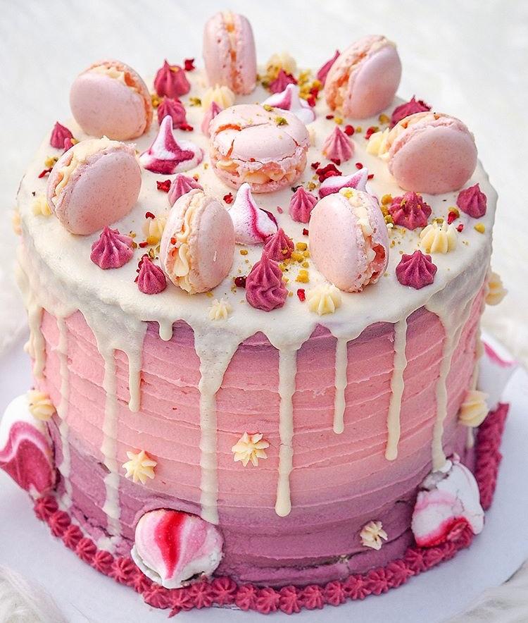Vegan Macaroon Cake