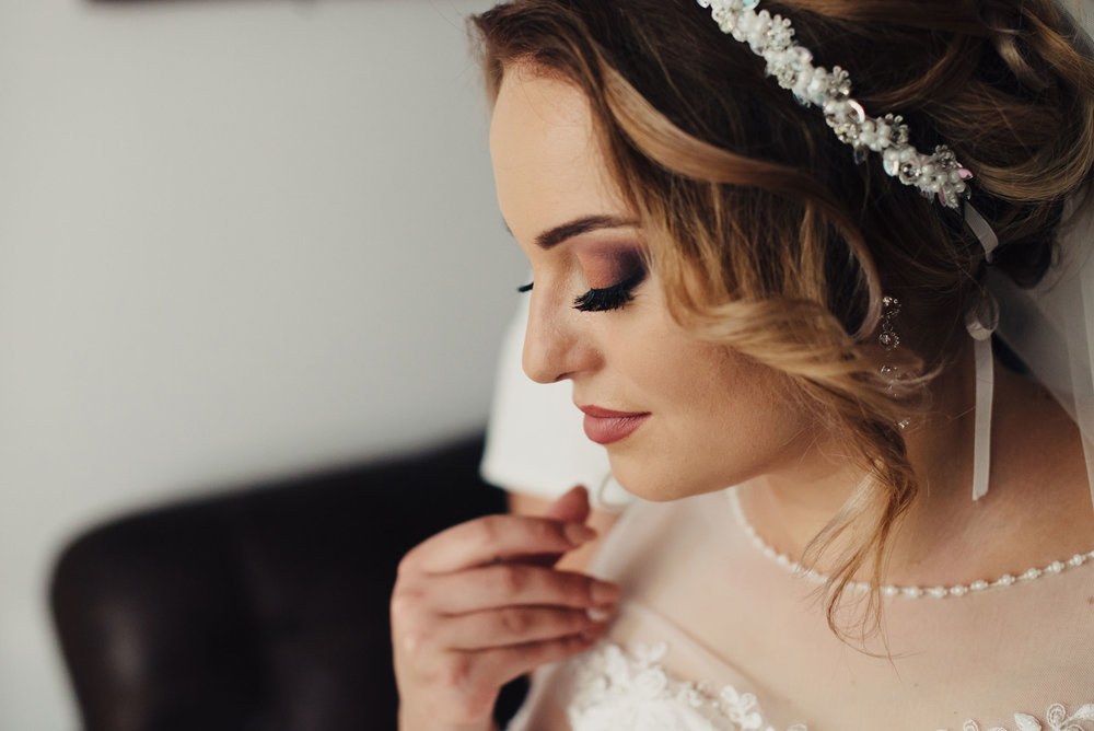 10 Questions to Ask Before Hiring Your Wedding Day Makeup Artist // Toledo Wedding Guide