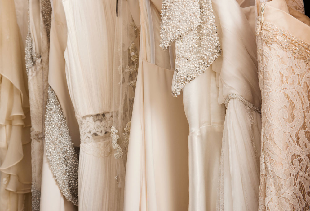 What You Need to Know Before Wedding Dress Shopping // Toledo Wedding Guide