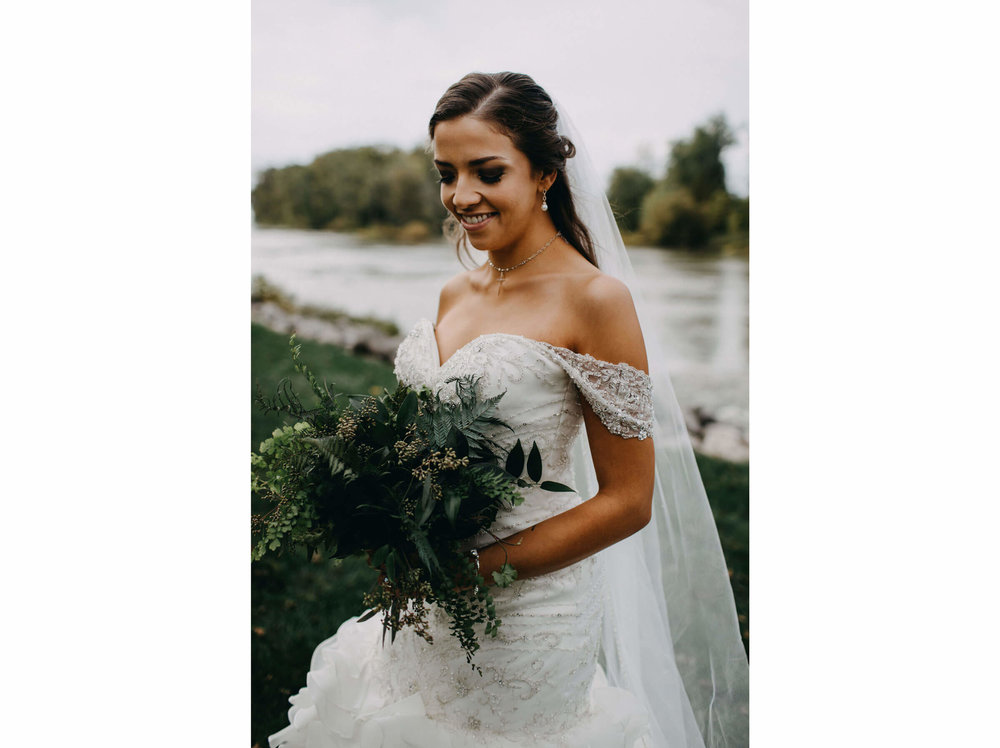 6c4c8aa31ec Our 22 Favorite Summer Bouquets — Toledo Wedding Guide to find ...