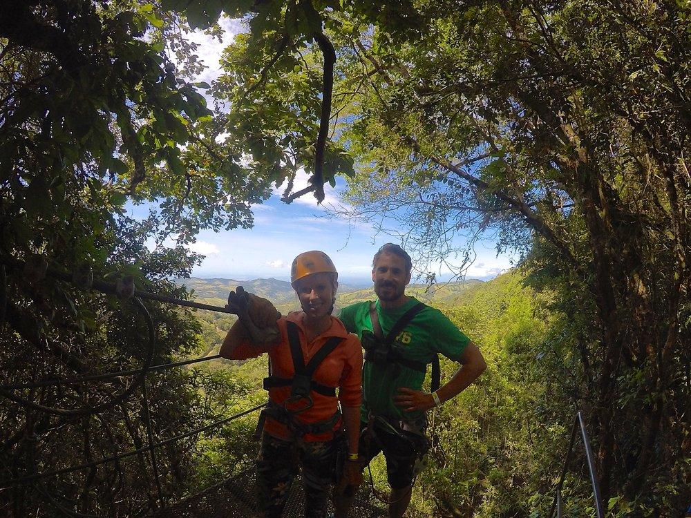 Ett tips är att avsätta en dag för  canopy  med  Extremo . Du sitter fast i en sele och färdas i hög fast över km-långa linor med storslagen utsikt. Varning! Inget för dig som är höjdrädd :)