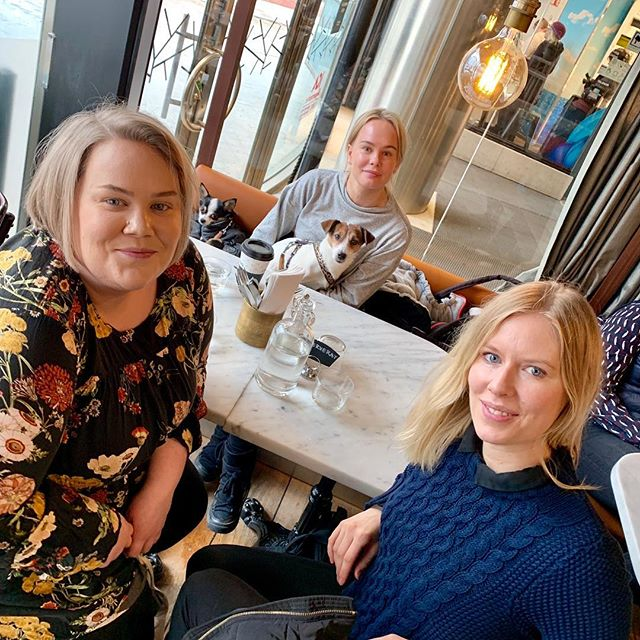 These are the girls behind @travelfoodie.se a platform for home chefs offering food related tourist activities in #stockholm. We are both passionate foodies & are care much about sustainable food! 💚🌍 Check out their account ➡️ @travelfoodie.se #travelfoodie#stockholmfoodie#veggietownstockholm#visitstockholm