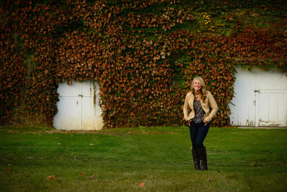 seniors - I love the wide variety of looks and stories that each unique high school senior wants to tell. Some girls are the fashionista type and really love that high fashion look, others are a bit more of a country girl and want to shoot in a rural field or barn setting and or course there are the athletes, dancers, and artists who want to focus on their hobby of choice. Regardless of what look your'e going for; this is your senior year, let's create something together that will blow people away.