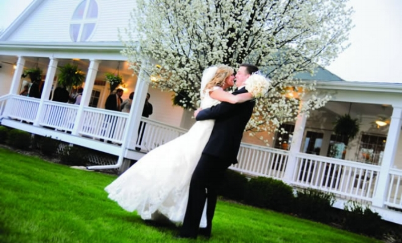 Enjoy the convenience of an on-site wedding chapel or gazebo for your wedding ceremony