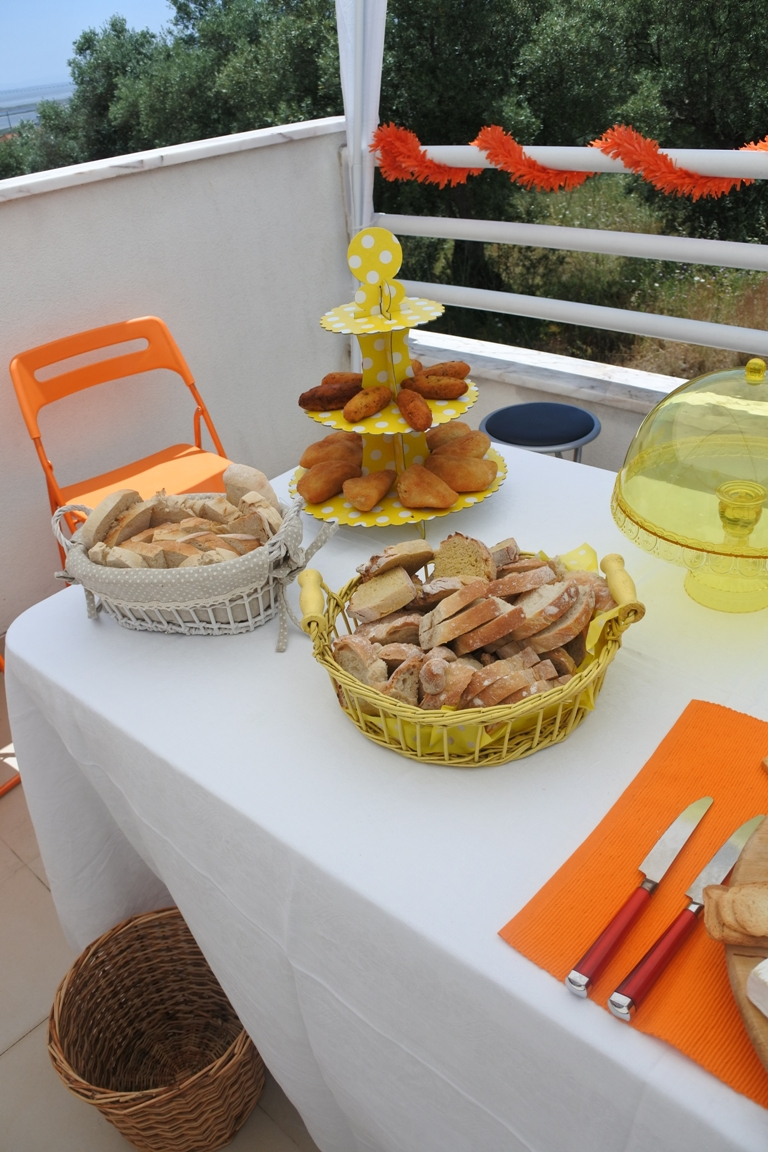 festa party bad bad maria catering table.JPG