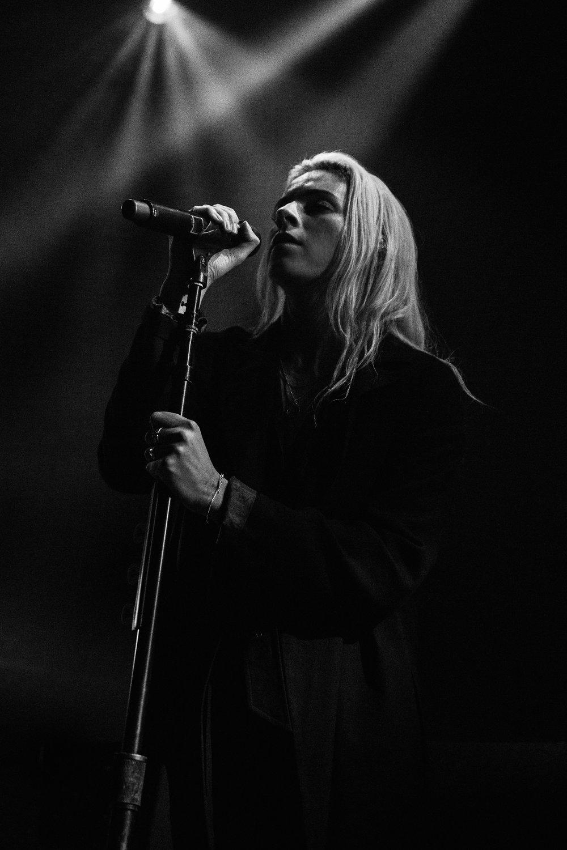 Lynn Gunn | PVRIS