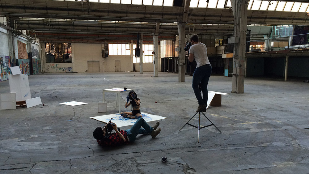 Timo Hänseler, Jakob Erpf und Ponny Distakul beim Dreh zu dem Musikvideo Kuamka für die Marke Noh Née