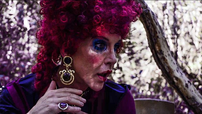 Danny D. als Herzkönigin in Alice im Wunderland