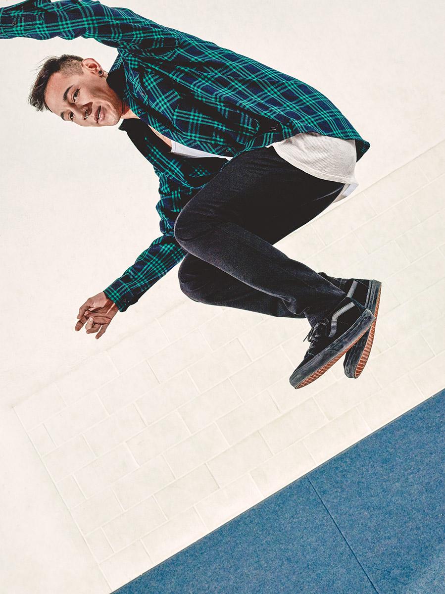 Fashion Editorial - Skate - Full Service Medienagentur Red Forest aus München - Fashionfotografie - Model: Isaihas Viñales - Fotograf Timo Hänseler - Retouch Jakob Erpf