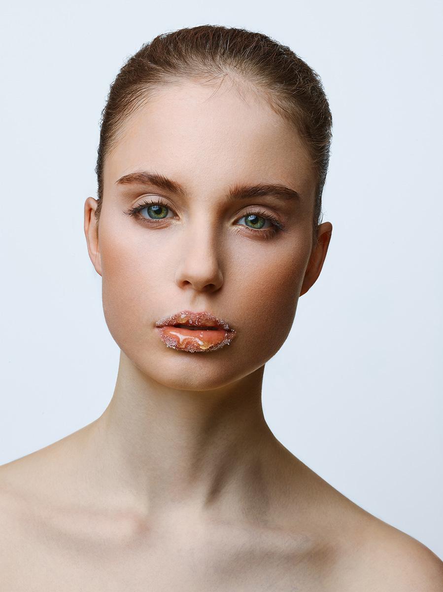 Beauty Fotografie - Medienagentur Red Forest - Fotograf Timo Hänseler - Retouch Jakob Erpf - Model Marie Scherbinek