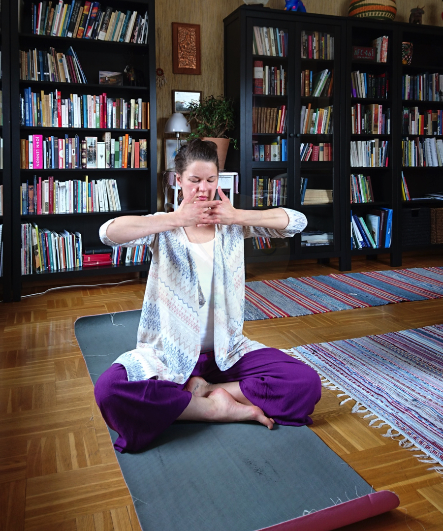 Fem yogaklasser - 2 maj - Pranayam: andas igång kraften9 maj - Öka flödet och lossa stagnerad energi16 maj - Lugn yoga och mindfulness23 maj - Apana: förmågan att släppa taget30 maj - Pass för sjunde chakrat: kronchatratYogapassen streamas live och startar kl 11.45 varje onsdag.Du får tillgång till de inspelade yogapassen efter avslutat pass.