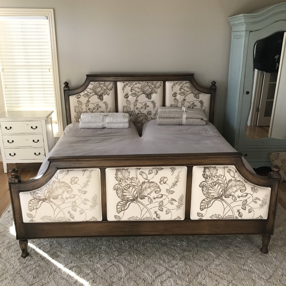 25235 Antoinette King Bed-Set