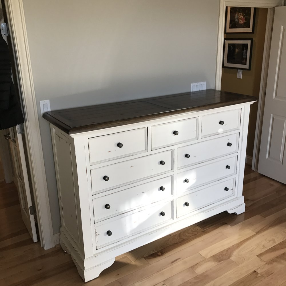 25771 Huntley 9 Drawer Dresser