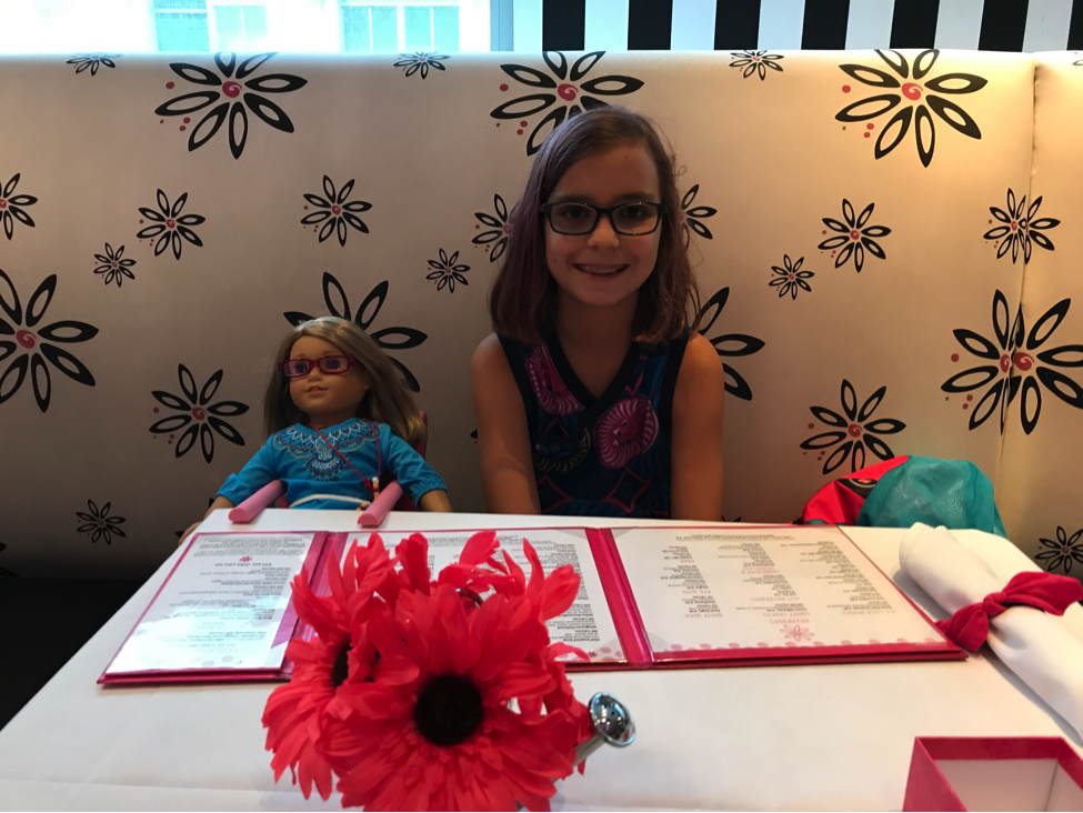 American Girl Café with Zoë and Chloë]