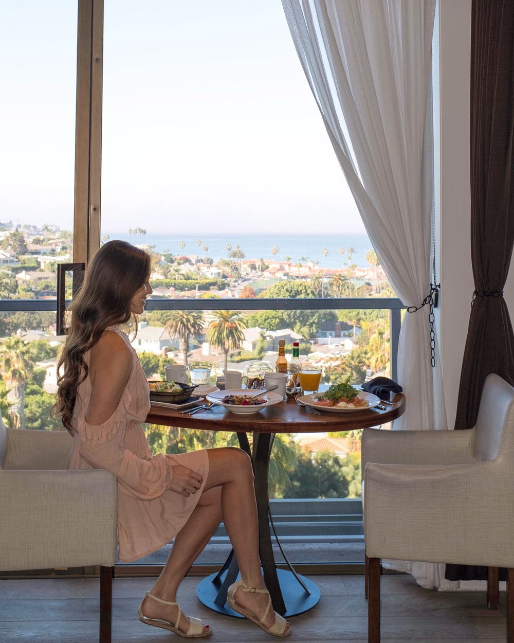 Cusp Restaurant on the eleventh floor of hotel la jolla offers delicious breakfast and a stunning view of the coast
