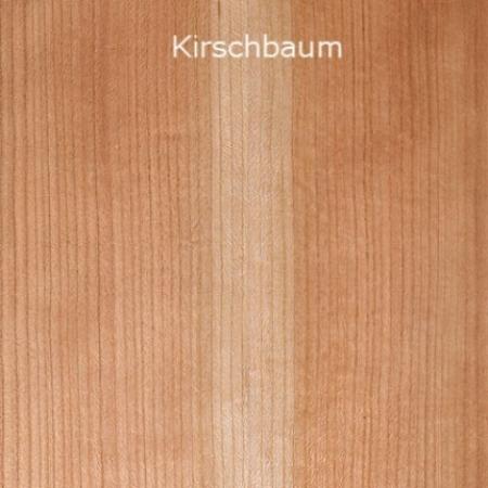 Die Waldkirsche ist eine ausgesprochene Lichtbaumart und bevorzugt ein mildes Klima sowie sandige und nährstoffreiche Böden. Waldkirschen aus südlichen Gebieten werden vielfach als regelmässiger strukturiert und farblich ausdrucksstärker empfunden. Insbesondere bei Stämmen aus kroatischen und rumänischen Laubmischwäldern, aus den Ebenen der Save und aus Teilen Bosniens ist die weitläufig geschätzte zartrötliche bis lachsfarbige Kernfärbung häufig anzutreffen. Das hellere, oft gelblichbeige Splintholz gleicht sich mit der Zeit dem Kernholz an. Dieser natürliche Prozess kann durch einefeuchte Lagerung des Rundholzes sowie eine dezente Dämpfung ein Stück weit vorweggenommen werden. Wir achten darauf, möglichst keine freistehenden Kirschbäume zu beschaffen: Deren Holz ist vielfach mit hohen Grünanteilen versehen und durch die verstärkte Kronenbildung mit feinen und schwarz verwachsenen Ästen übersät. Waldkirschen verlangen nach einer schonenden Trocknung, weil sie sich leicht werfen.