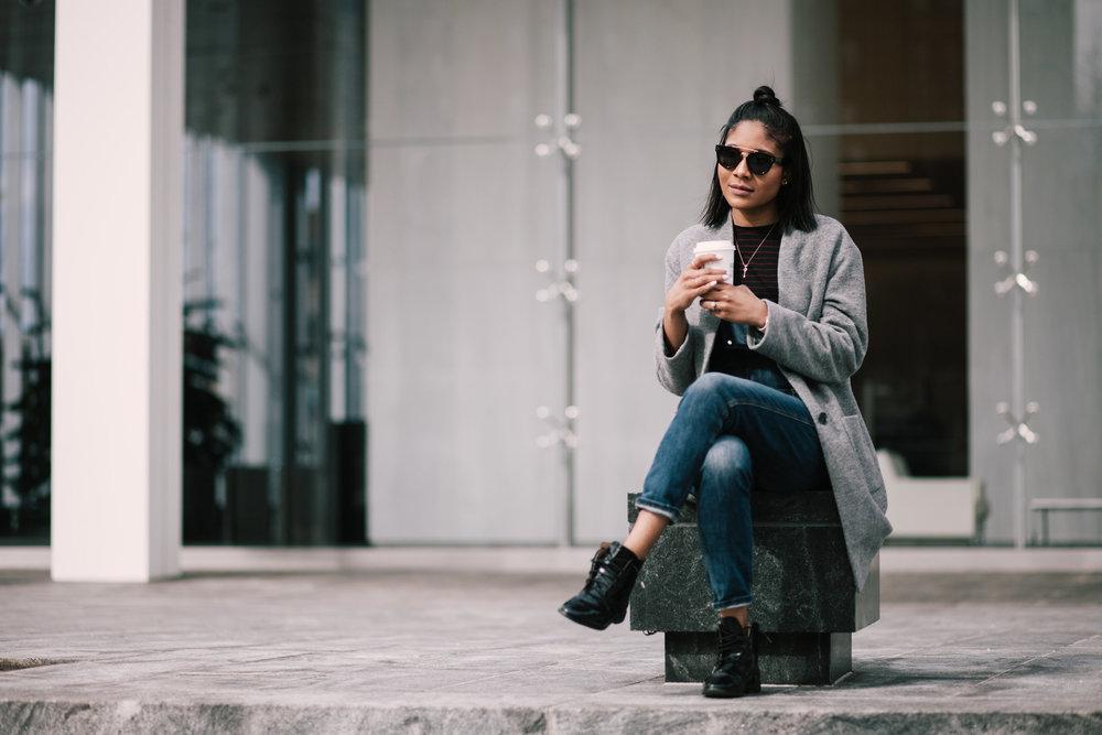 Wearing : Shoes Bloomingdale's | Overalls Gap| Jacket Uniqlo | Glasses Celine | T shirt Zara |