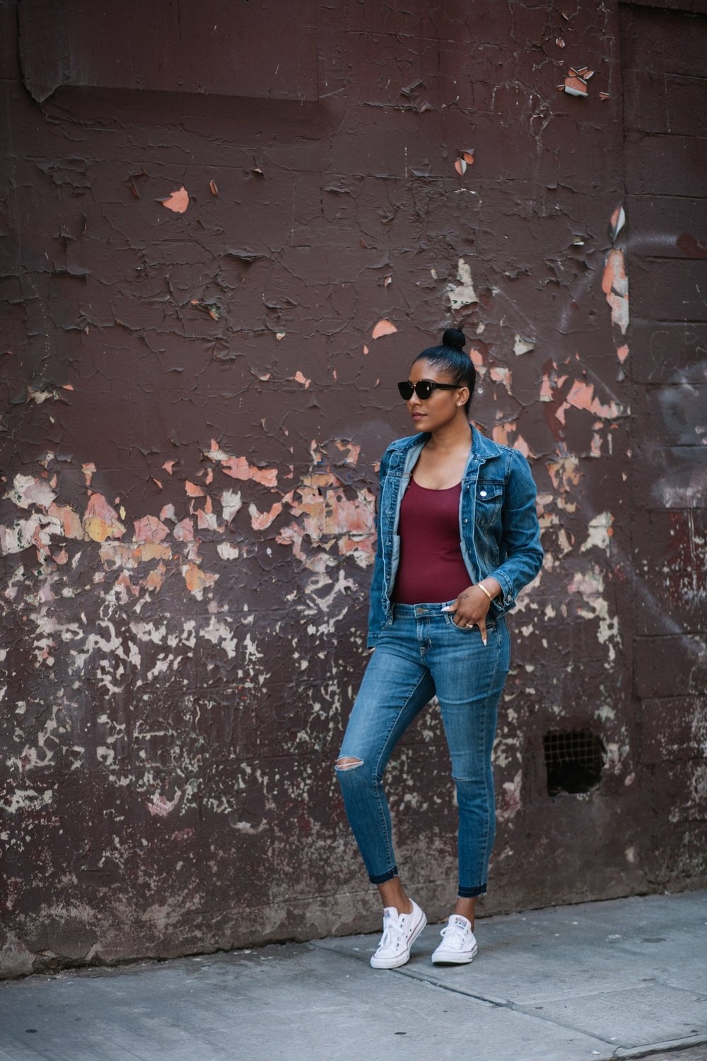 Denim jacket : The Gap | Basic bodytop: The Gap | Fryed Jeans : The Gap | Sunglasses: Celine | Sneakers : Converse