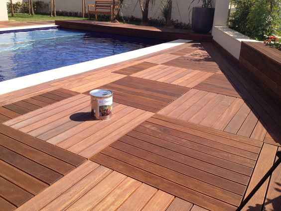 Deck de madera deck de pvc interior bazaar for Deck para exteriores