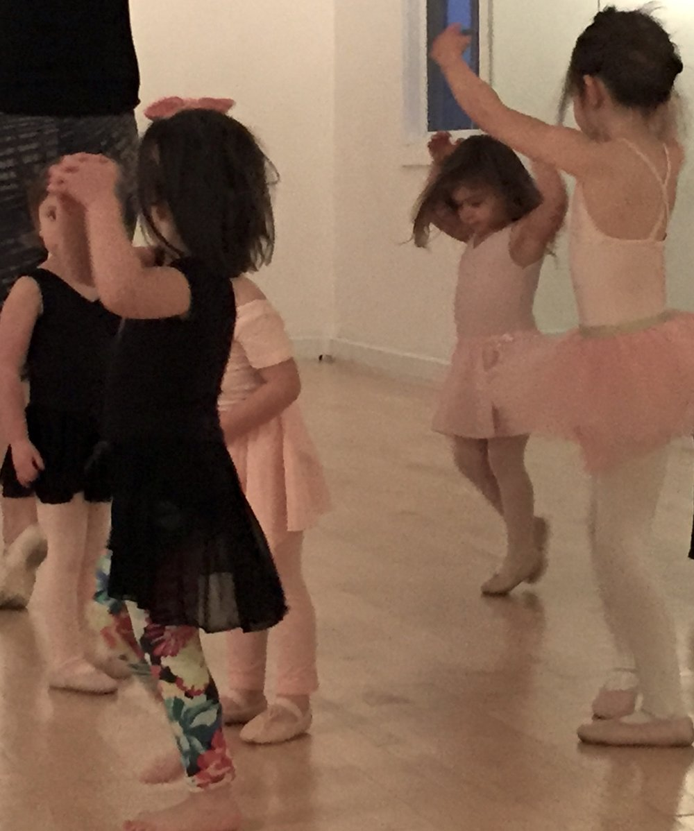BALLET ARTS (AT LIFEWORKS)  ages 3.5 - 6  WED 4:00 - 4:45pm