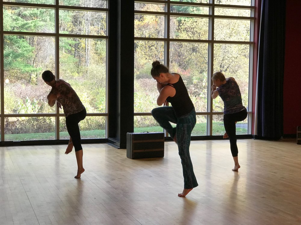 MODERN - CONTEMPORARY  TEENS/ADULTS AGES 16+  SAT 11:00 - 12:30pm