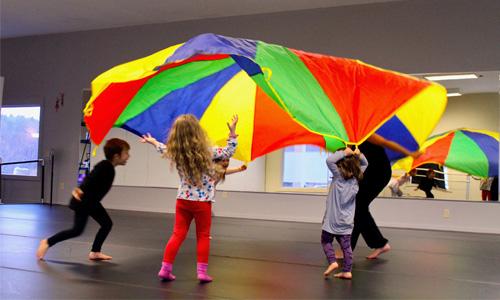 CREATIVE DANCE  ages 4-6  SAT 9:00 - 9:45am