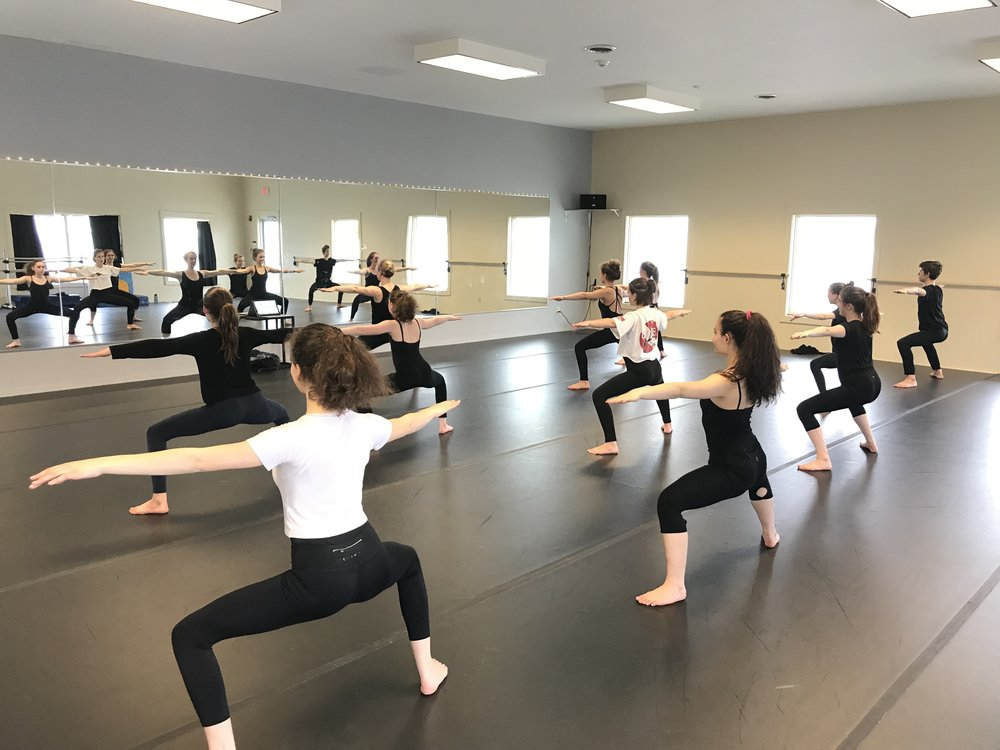 MODERN   ages 13+  MON 3:45 - 5:15 pm