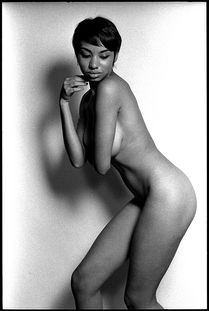 0233_15 Untitle Black and White Nude, 2012